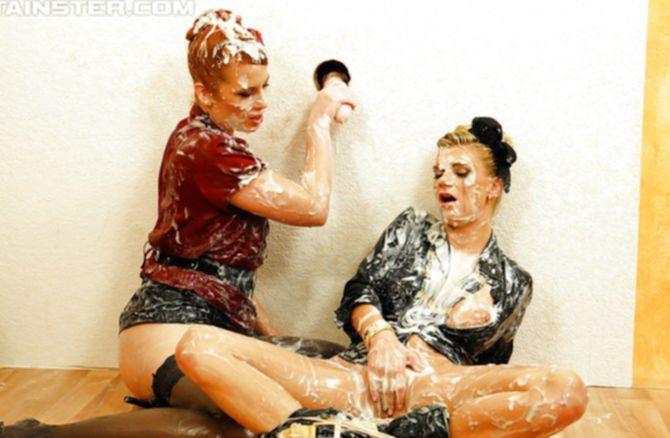 Две подруги в сперме рады проведенному траху